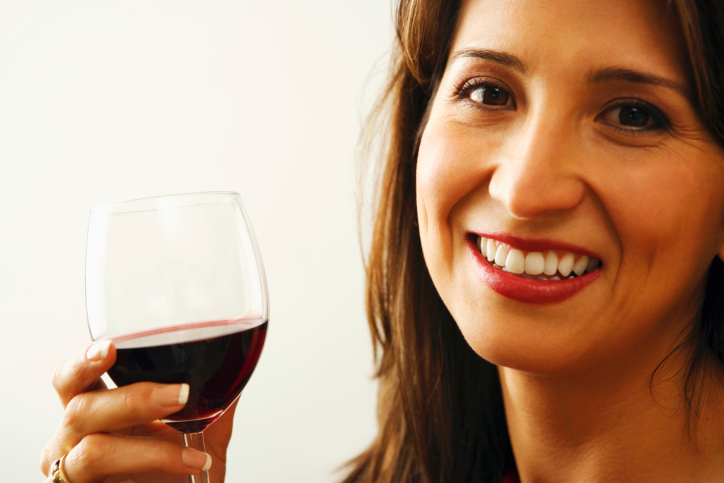 Survey-Shows-Women-Prefer-Red-Red-Wine-May-Have-Mental-Benefits