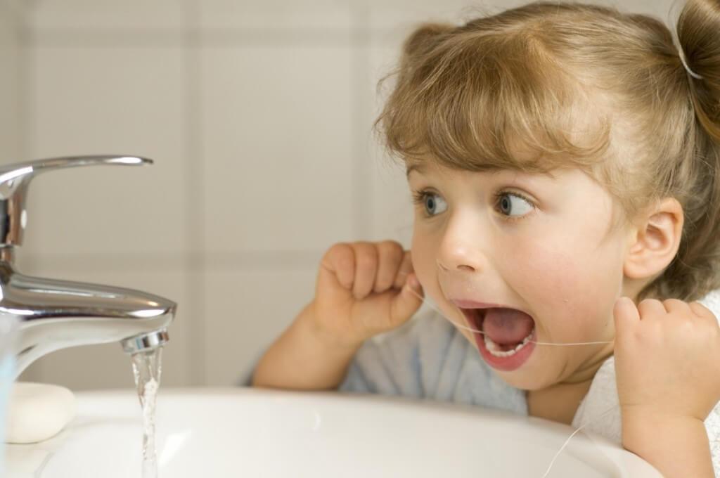 Children-flossing[1]